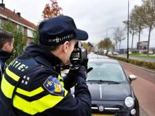 Eén op de twintig auto's rijdt te hard op de Merwedestraat: 'Waarom geen flitspalen?'
