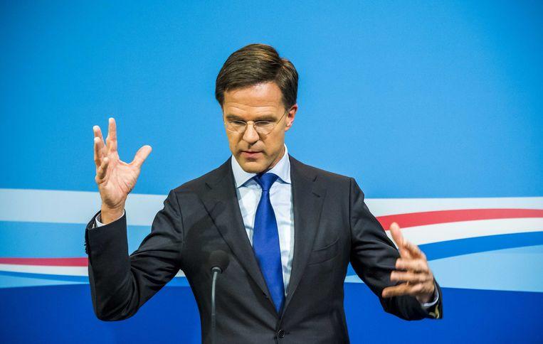 Premier Rutte tijdens zijn wekelijkse persconferentie. Beeld anp
