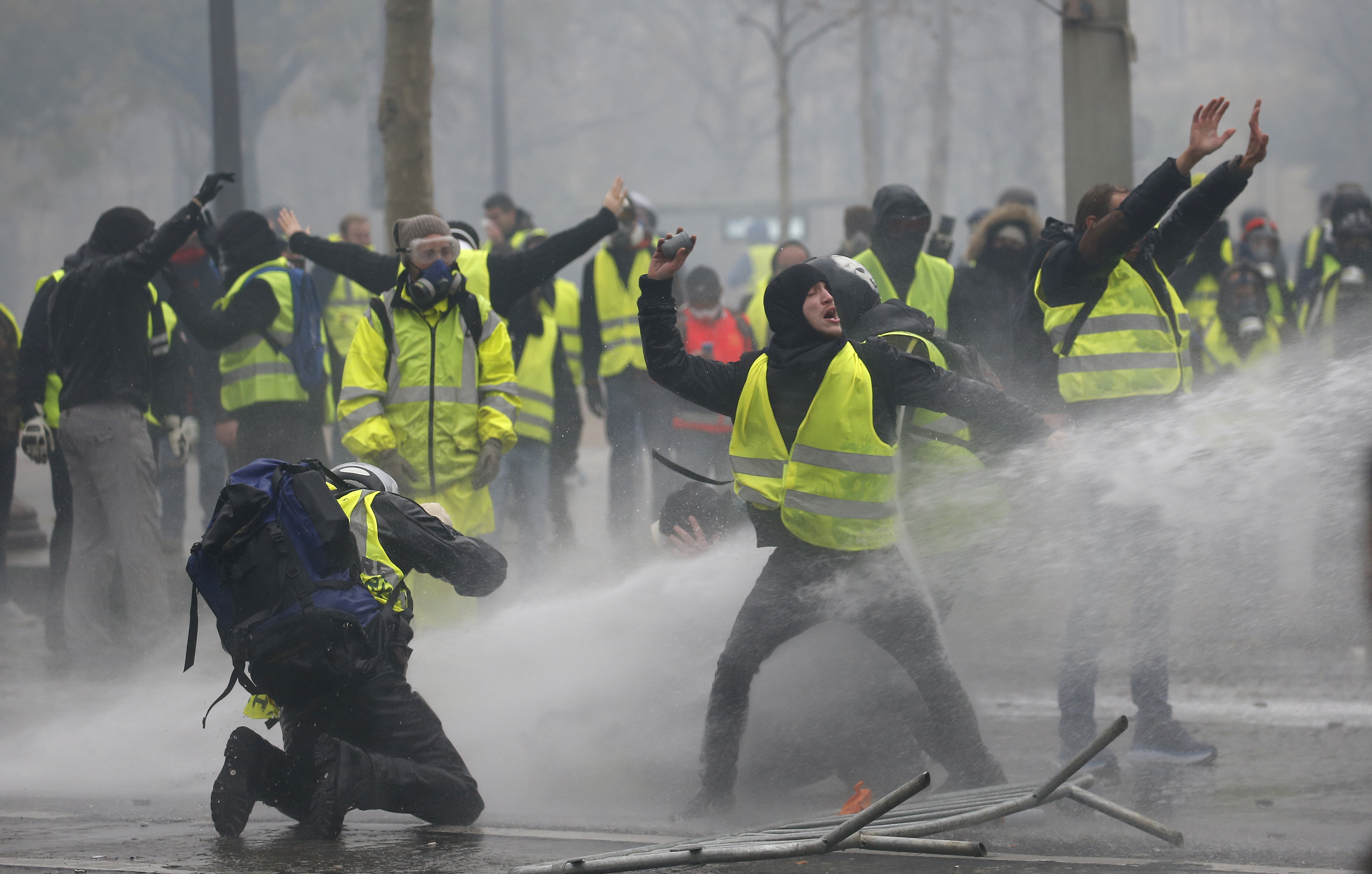 bbc france fuel unrest - 992×558