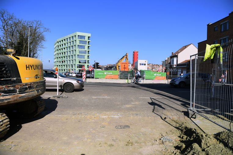 De stad Leuven beseft dat er veel hinder is maar na de werkzaamheden zal de veiligheid voor fietsers gevoelig hoger liggen aan de Tiensesteenweg.
