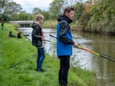 Sportvissen is in trek bij jongeren: 'Als ik er één gevangen heb, wil ik er alleen maar meer'