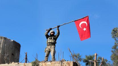 Meer dan 300 mensen opgepakt in Turkije voor berichten op sociale media over militaire operatie in Syrië