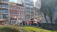 Giftige chloorgasdampen ontsnappen uit zwembad door verkeerde mengeling tijdens onderhoud: technicus naar ziekenhuis overgebracht