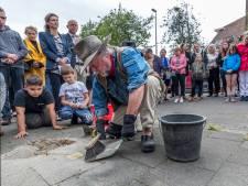 Nieuwe struikelsteentjes in Oog in Al: 'Een mens is pas vergeten als je de naam niet meer weet'