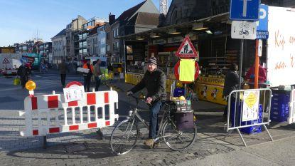 Kalme woensdagmarkt in Deinze: Nadarhekken en luide gesprekken