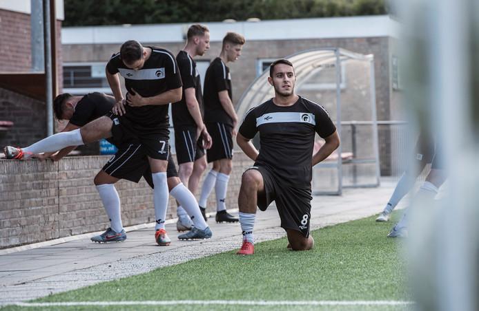 Onur Gençalioglu tijdens de training bij zijn club Achilles'29.