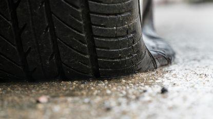 Vandaal die banden van 15 auto's met mes bewerkt, riskeert jaar cel