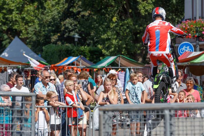 Een stuntman trok veel publiek in Bosschenhoofd.