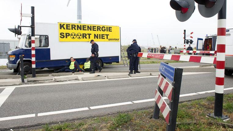 De actievoerders eerder bij Borssele. Beeld null