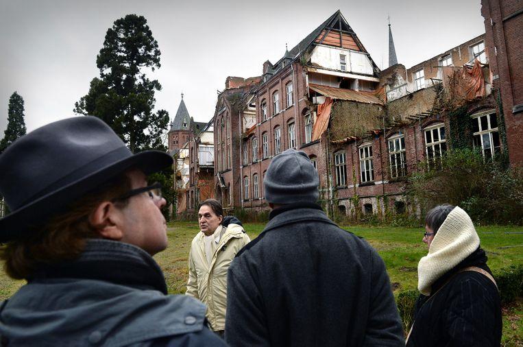Het St. Ludwigklooster op het Maharishi-terrein is in verval en zal worden gesloopt. Beeld Marcel van den Bergh / de Volkskrant