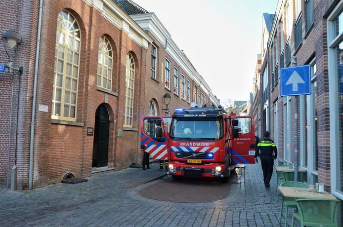 De brand woedde in een appartement aan de Voetboog in Bergen op Zoom.