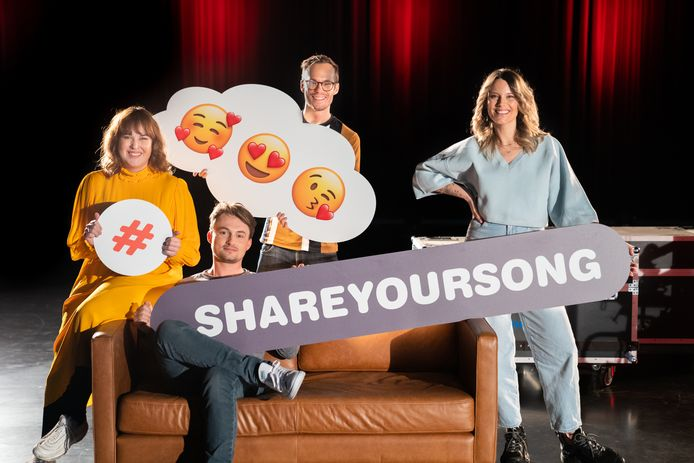 Meer dan 50 artiesten zingen vandaag #ShareYourSong-nummers op Qmusic, bij VTM en HLN.be. Op de foto: Maarten, Dorothee, Vincent & Jolien.