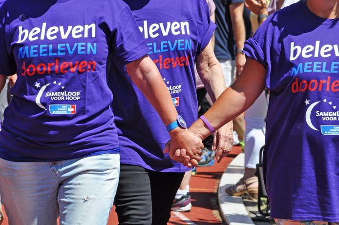 Deelnemers aan een SamenLoop voor Hoop.