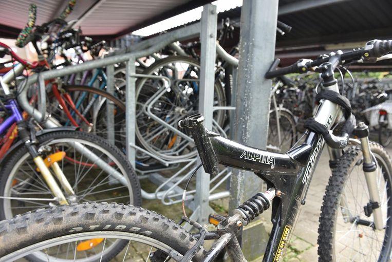 Niet alleen fietsen, maar ook onderdelen, zoals bij deze fiets het zadel, worden gestolen.