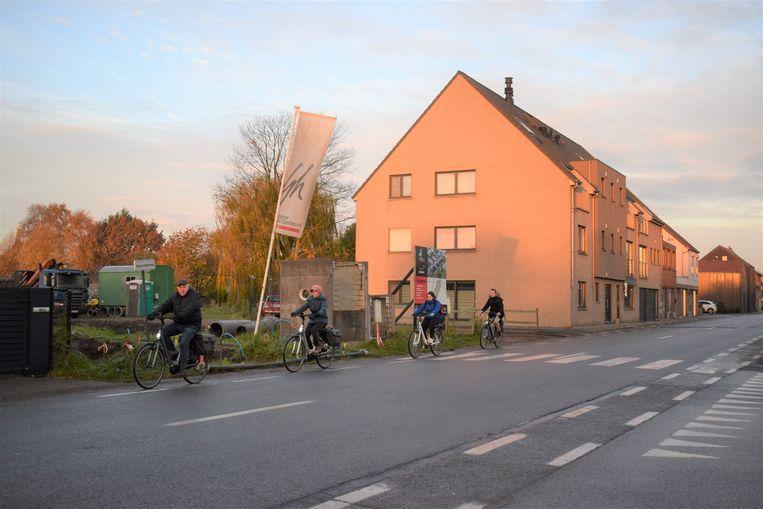 Vanaf woensdag kunnen enkel fietsers en voetgangers nog passeren op de Assenedesteenweg ter hoogte van de Kattenhoek.