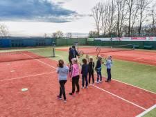 Tennisclub Den Hout wil uitbreiden: 'Flinke groei in het aantal leden'
