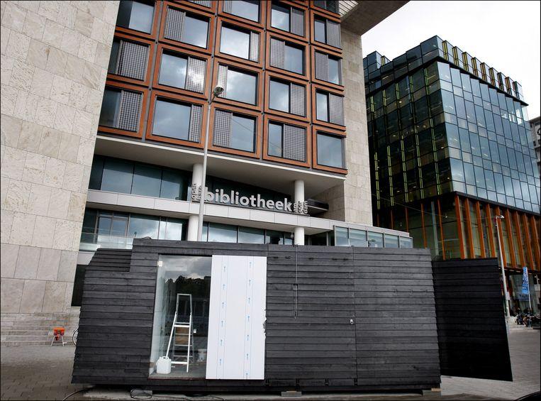 De tijdelijke keet van het Stedelijk Museum waarmee het door de stad toert, totdat de verbouwing van het gebouw klaar is. Foto ANP/Rick Nederstigt Beeld