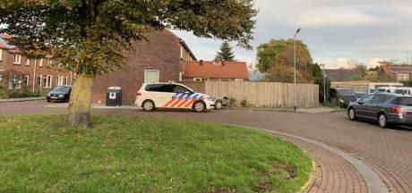 Drie aanhoudingen na vondst drugs, illegaal vuurwerk en wapen in garageboxen Oost-Souburg