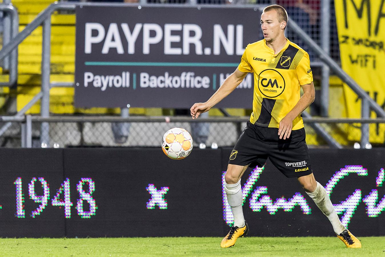 Arno Verschueren namens NAC in actie tijdens het meest recente duel van de Bredanaars tegen Excelsior (0-2).