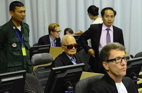 Is het Rode Khmer-tribunaal een vloek of zegen voor Cambodja?