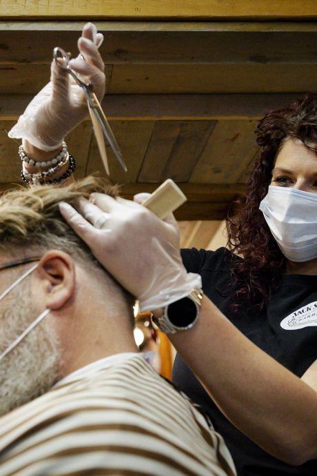 Rotterdam: kapper en kaasboer, ga digitaal de coronacrisis te lijf