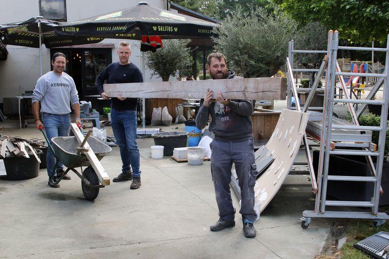 Wout Janssen, Nick Meylemans en Nicks Smets zijn volop aan de slag om komende woensdag de deuren te openen.