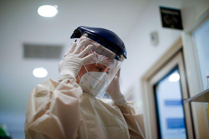 Du 5 au 11 juillet, il y a eu en moyenne 92,4 cas confirmés par des tests en laboratoire
