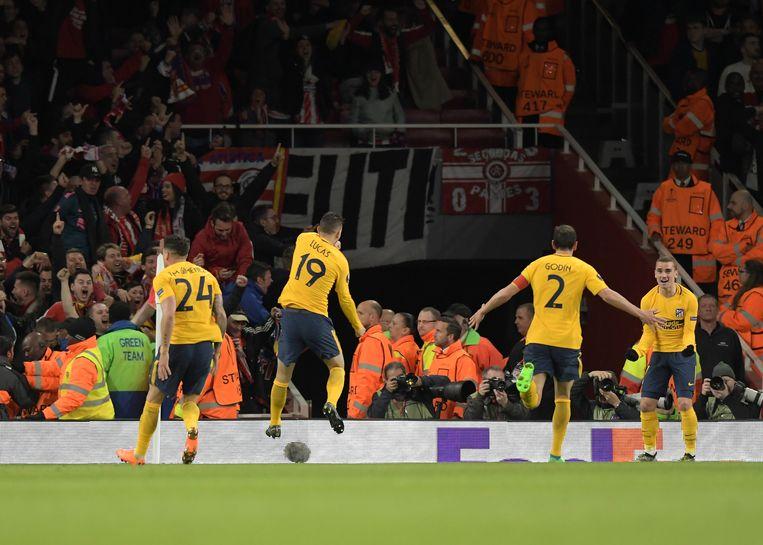 Spelers van Atlético Madrid vieren hun goal tegen Arsenal vorige week Beeld Getty Images