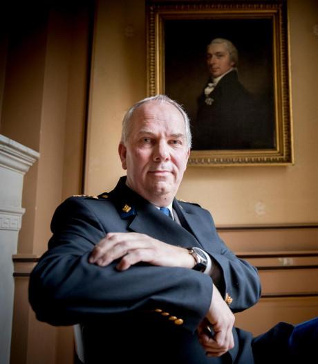 Politiechef Aalbersberg krijgt Zilveren Medaille van Amsterdam