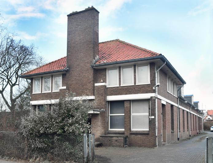 Het KPN-gebouw in Domburg wordt mogelijk een wellnesshotel