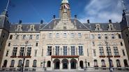 Raadsleden houden buurt wakker met nachtelijke karaoke in stadhuis Rotterdam