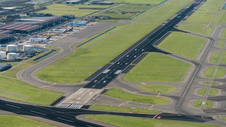 Het vliegverkeer dat normaal van de Kaagbaan gebruikmaakt, wordt verdeeld over de Buitenveldertbaan, Zwanenburgbaan en Aalsmeerbaan. Beeld anp