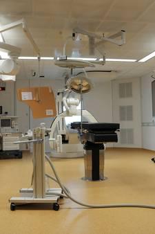 'Ziekenhuizen betalen miljoenen te veel voor kunstknie en -heup'