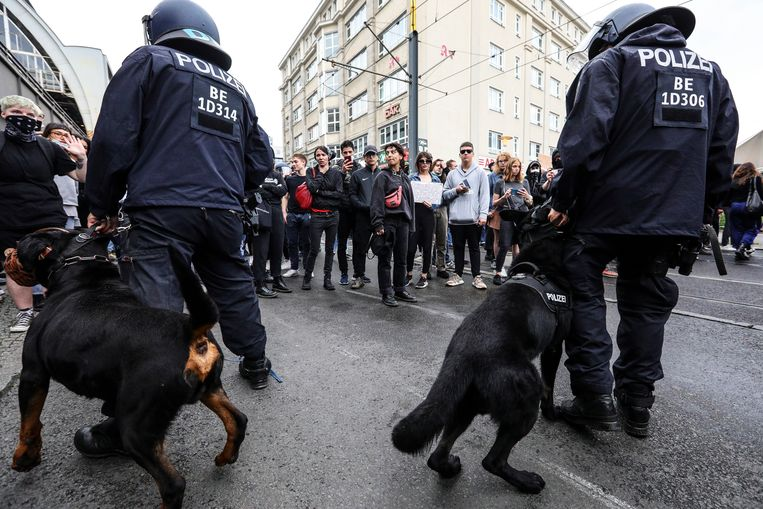 Bij enkele incidenten in Berlijn moest de politie optreden. Beeld EPA