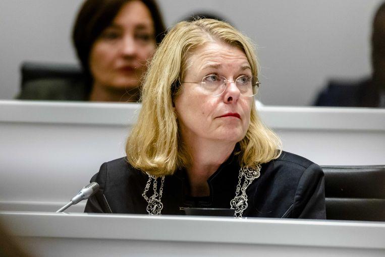 Burgemeester Pauline Krikke tijdens een debat over een onderzoek van de rijksrecherche naar de wethouders Richard de Mos en Rachid Guernaoui. Beeld ANP