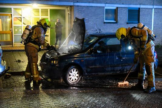 De autobrand in de Ossenstraat.