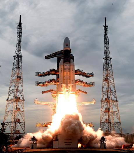 Indiase sonde Chandrayaan in baan rond de maan