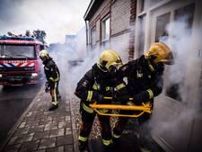 Redders laten zich van beste kant zien op Brandweerkalender 2018