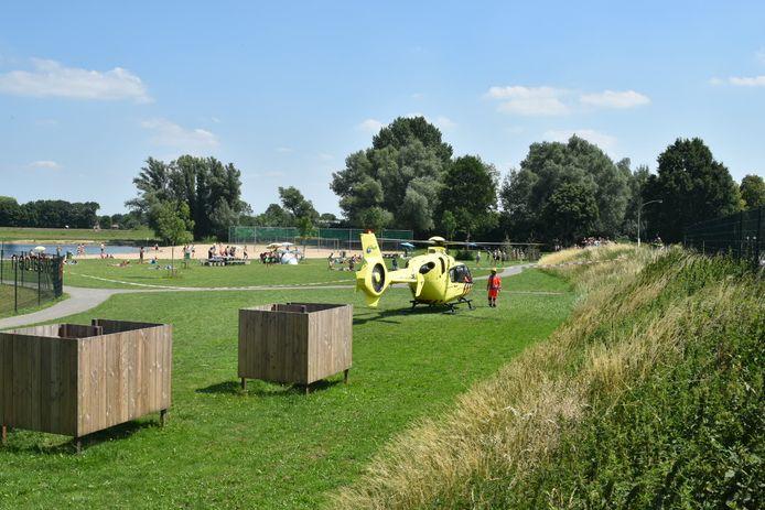Het was druk op het strand in Aalst waar de traumahelikopter landde.