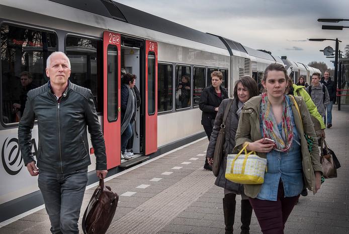 Barny Versteegen op het station Mook Molenhoek.