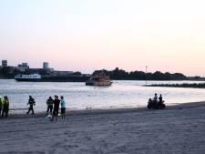 Hulpdiensten zochten massaal, drenkeling in Waal bij Ochten nog niet gevonden