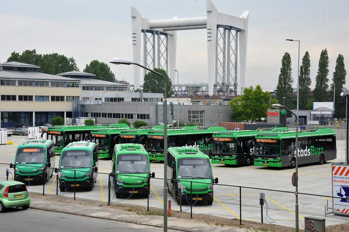 De nieuwe remise voor elektrische bussen aan de Weeskinderendijk in Dordrecht.