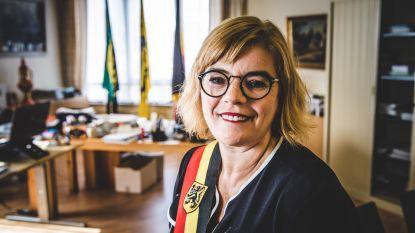 Tania De Jonge spuwt gal over Forza Ninove