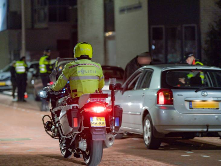 Boetes en auto's in beslag genomen bij verkeerscontrole in Tilburg