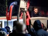 'Wout is Twente': boze fans wachten spelersbus op
