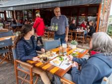 Kaartje voor kastelein in Oisterwijk: 'Ik zal de lekkere koffie verkeerd erg missen'