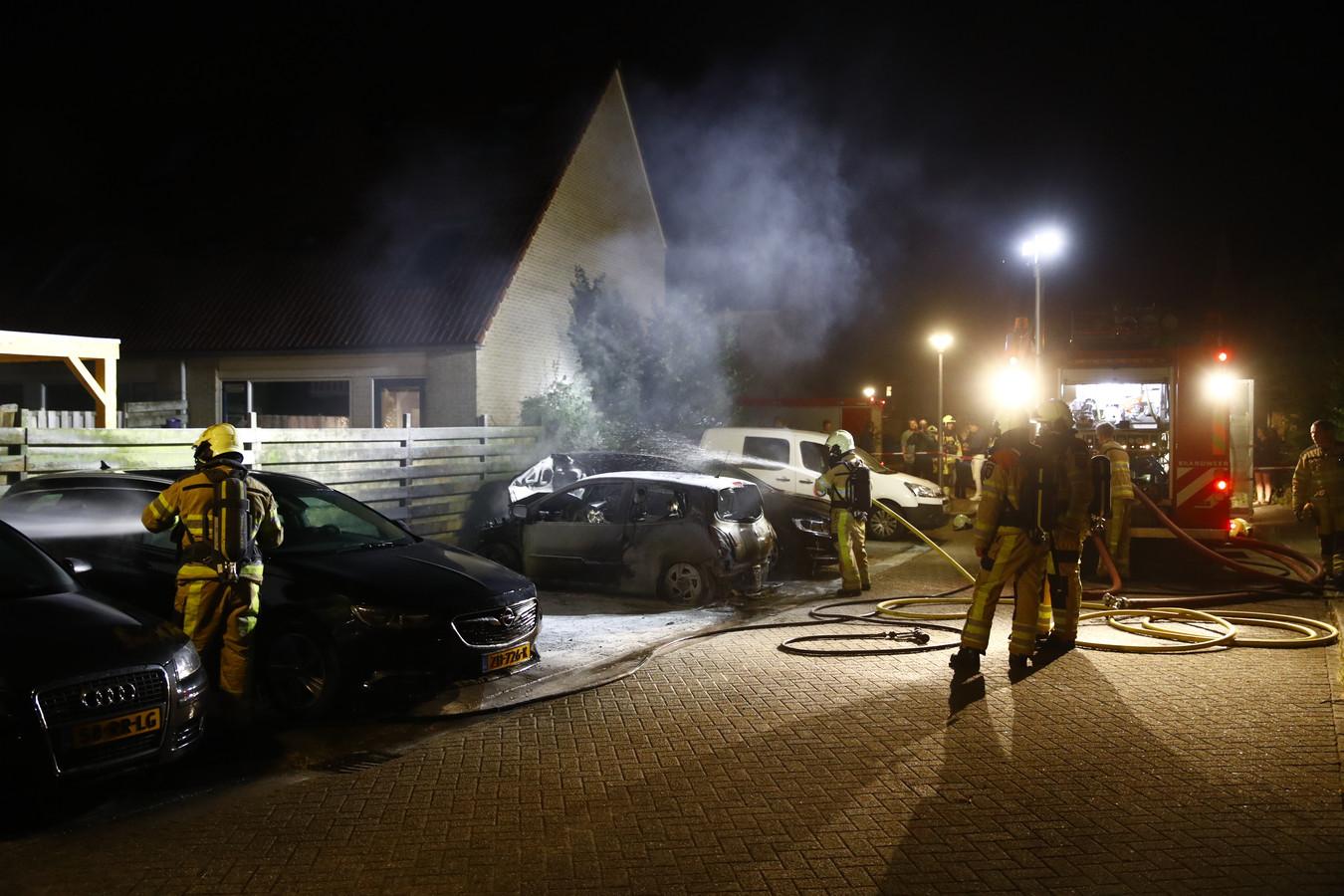 Autobrand aan het Egelveld in Zwolle zondag 7 juli