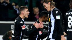 VIDEO: Thorgan Hazard loodst Mönchengladbach met doelpunt en assist voorbij Hamburg