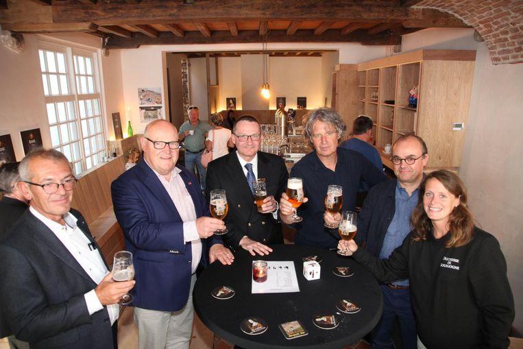 Gisteren kon voor het eerst weer een biertje getapt worden in het oudste café van de stad.