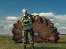 Tv- en theaterlegende Bram van der Vlugt krijgt voor 85ste verjaardag voorstelling cadeau
